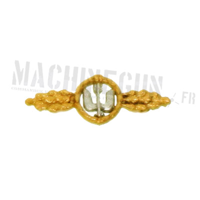 Day Fighters Flying Clasp in Gold